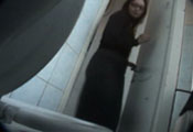 Watch video Voyeur-toilet 002