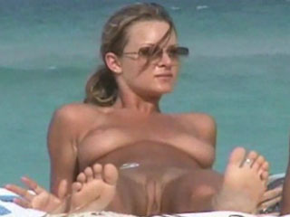 Watch video Hot beach babes