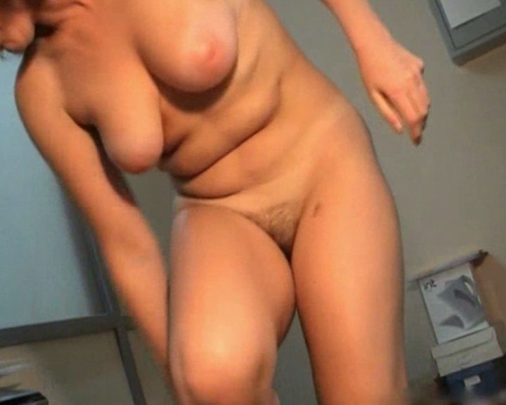 changing room model nude
