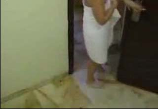 Watch video Mom drops towel