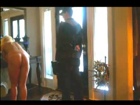 Watch video Blond Flashing Ass To Pizza Guy